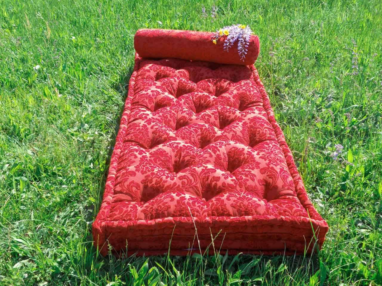 Materassi Colorati.Produzione Artigianale Di Materassi Anche Di Forme E Motivi